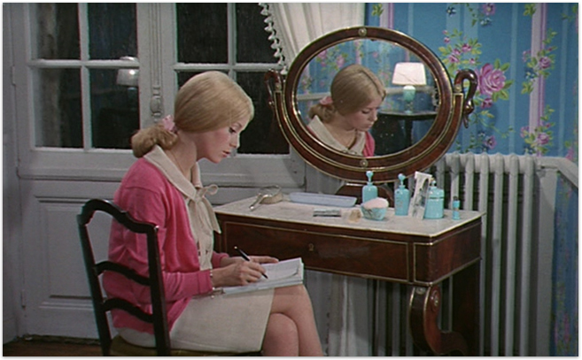 Movie Monday: The Umbrellas of Cherbourg - Making Nice in the Midwest